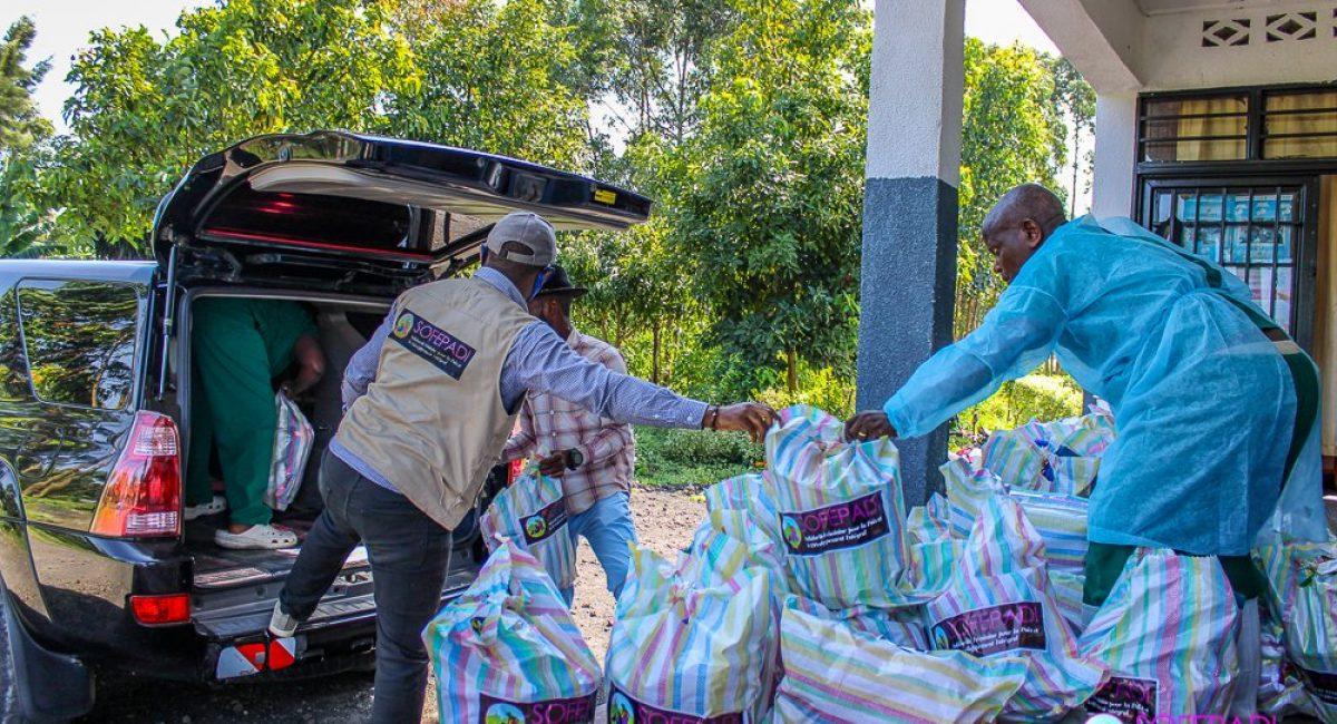 Remise de la dotation de Kits de dignité de la SOFEPADI à l'aire de santé Mugunga